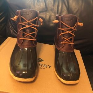 Womens Tan/Brown Duck Boots Size 9.5